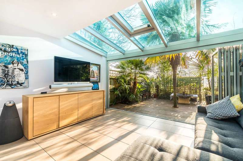 4 Bedrooms House for sale in Golf Side, Twickenham, TW2