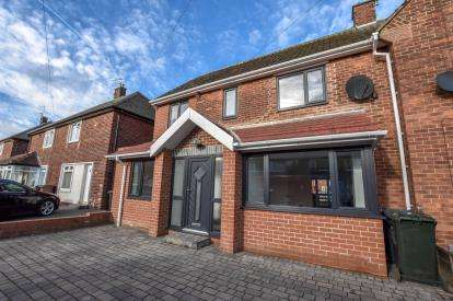 4 Bedrooms Semi Detached House for sale in Monkhouse Avenue, North Shields, Tyne and Wear, NE30