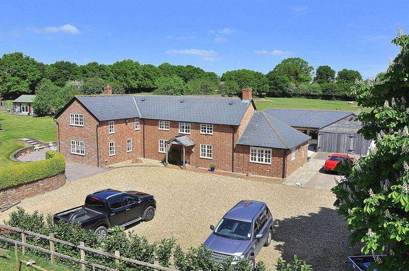 4 Bedrooms Country House Character Property for sale in Holt Heath, Wimborne