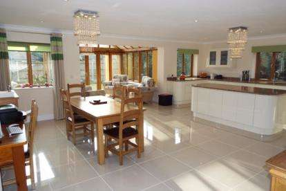 5 Bedrooms Bungalow for sale in Taverham, Norwich, Norfolk