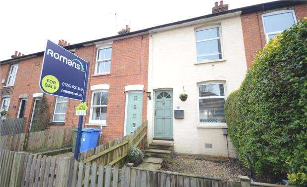 2 Bedrooms Terraced House for sale in Union Street, Farnborough, Hampshire