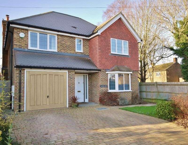 4 Bedrooms Detached House for sale in Highfield Close, Pembury