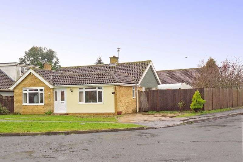 3 Bedrooms Detached Bungalow for sale in Greenlea Avenue, Rose Green, Bognor Regis, PO21