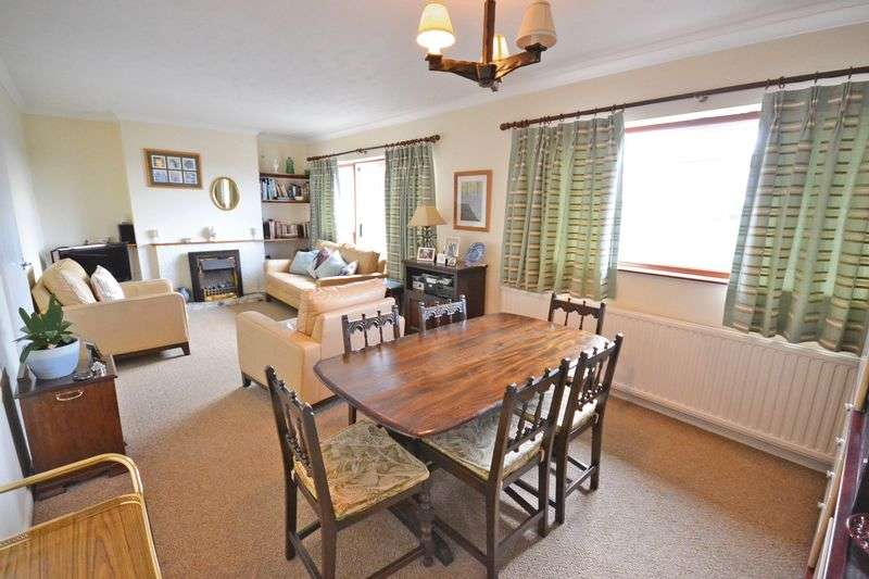 3 Bedrooms Semi Detached House for sale in Deceptively Spacious House, Lawrence Hill Avenue, Newport