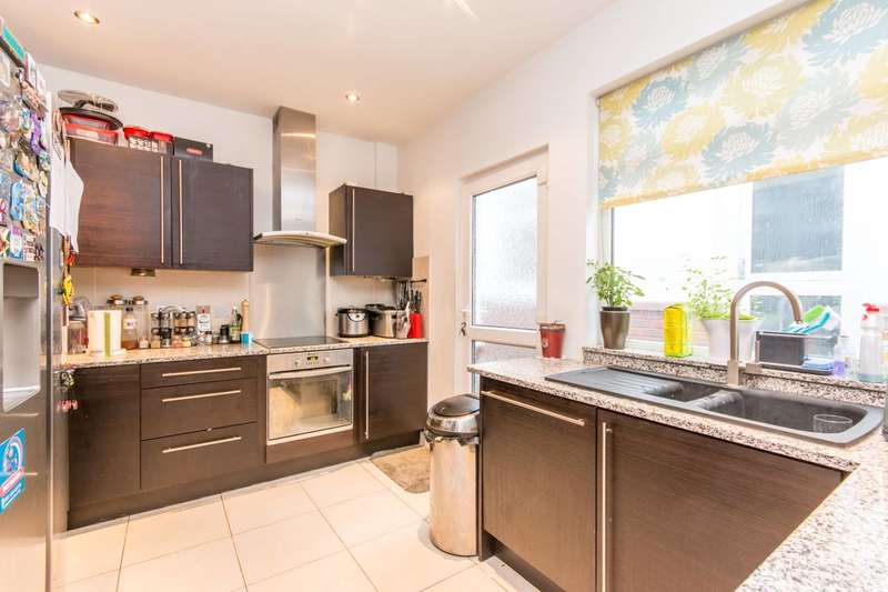 5 Bedrooms Bungalow for sale in Page Street, Mill Hill, NW7
