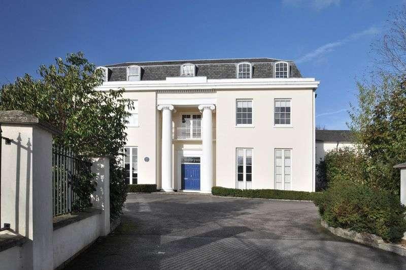 2 Bedrooms Flat for sale in Calvert Drive, Bexley Park