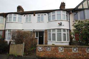 3 Bedrooms Terraced House for sale in Berne Road, Thornton Heath, Surrey