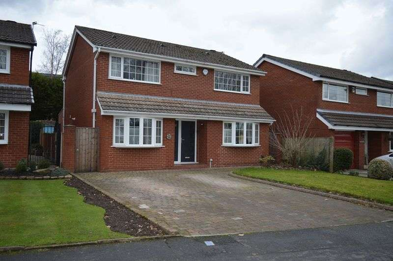 4 Bedrooms Detached House for sale in The Avenue, Leigh, WN7 1JF