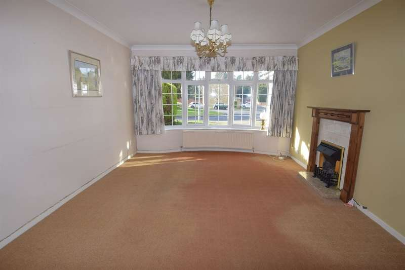 4 Bedrooms Detached House for sale in Stanmore Court, Canterbury
