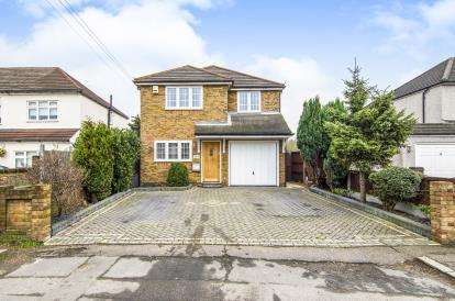 3 Bedrooms Detached House for sale in South Hornchurch, Essex