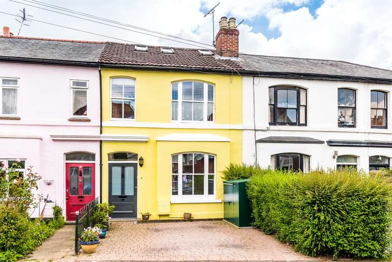 4 Bedrooms Terraced House for sale in Warren Road, Reigate, Surrey, RH2