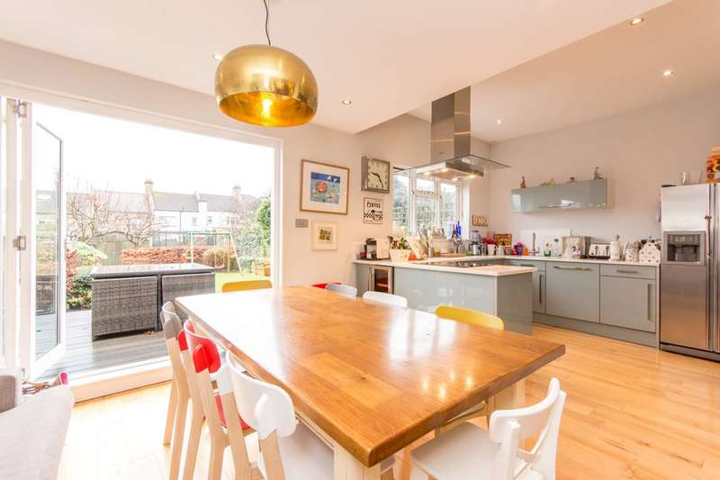 5 Bedrooms House for sale in Ashurst Road, North Finchley, N12