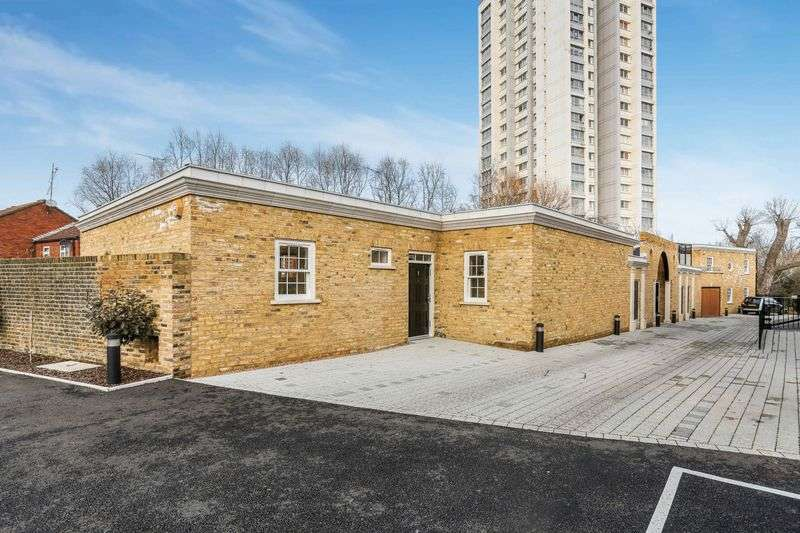 3 Bedrooms Semi Detached House for sale in Rushgrove Mews,