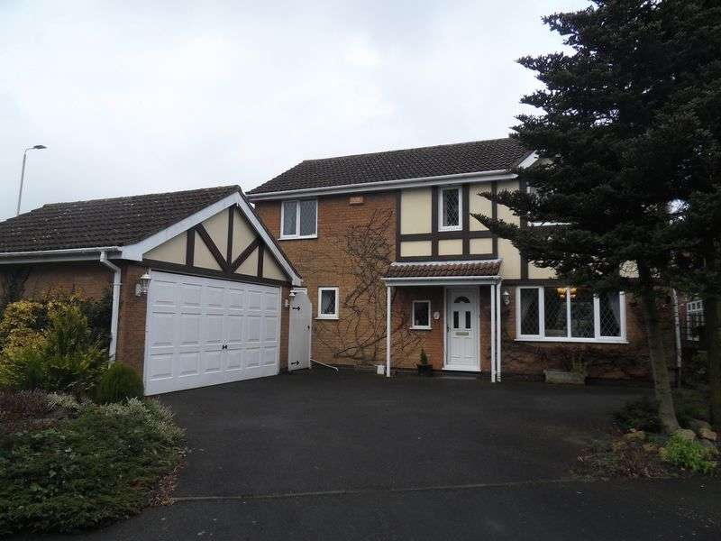 4 Bedrooms Detached House for sale in Thorntree Close, Coalville