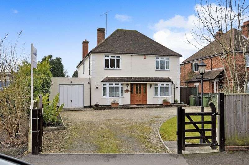 4 Bedrooms Detached House for sale in Beare Green