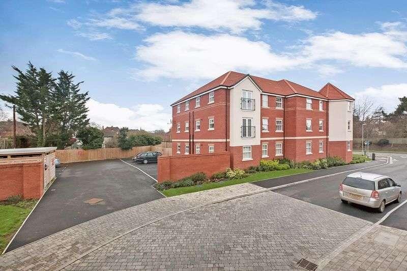 2 Bedrooms Flat for sale in Bonita Drive, Bridgwater