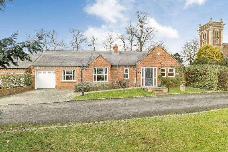 3 Bedrooms House for sale in The Hooke, Willen Village, Milton Keynes