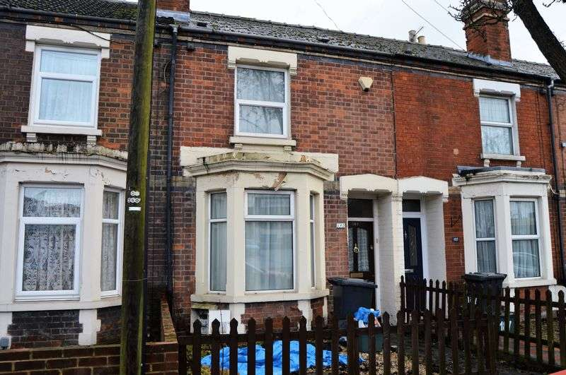 2 Bedrooms Terraced House for sale in Bristol Road, Gloucester