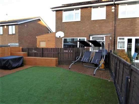 3 Bedrooms Semi Detached House for sale in Harrow Close, Padiham