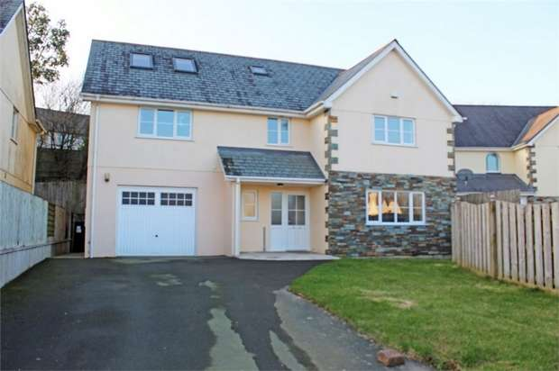 6 Bedrooms Detached House for sale in St Andrews Close, Sutcombe, Holsworthy, Devon
