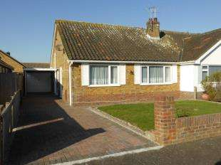 2 Bedrooms Bungalow for sale in Tritton Gardens, Dymchurch, Romney Marsh