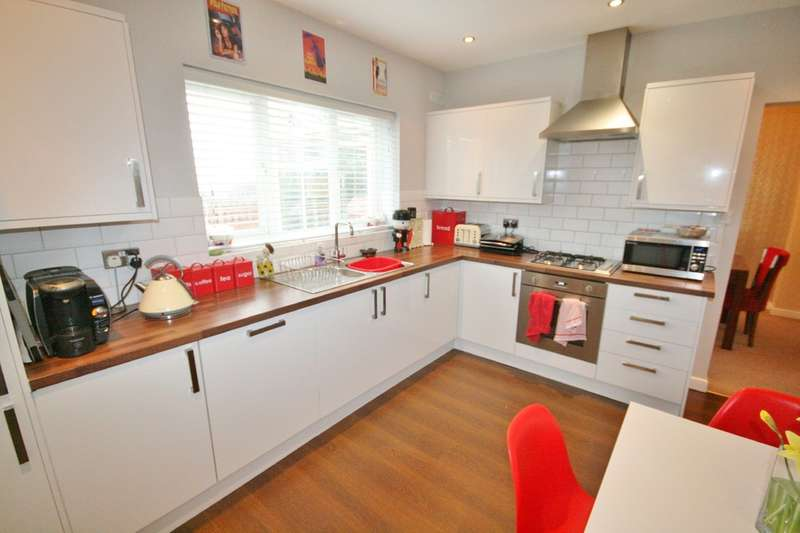 3 Bedrooms Detached House for sale in 8 Heol Miaren, Barry, Vale of Glamorgan. CF64 1FA