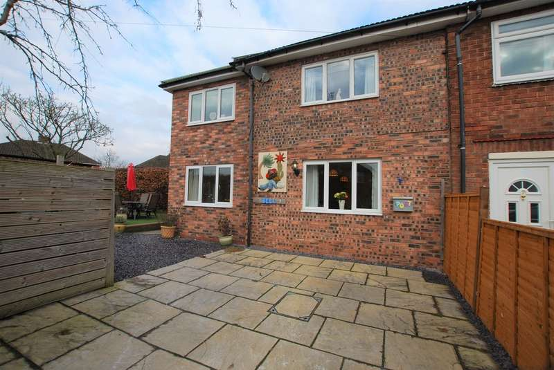 2 Bedrooms Semi Detached House for sale in Grove Avenue, Vicars Cross, Chester