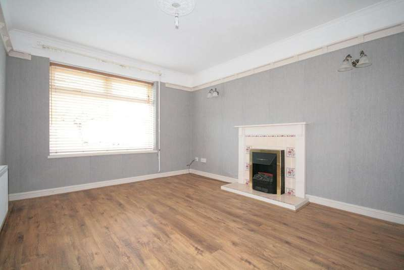 3 Bedrooms Semi Detached House for sale in Loxley Road, Southport, PR8 6NR