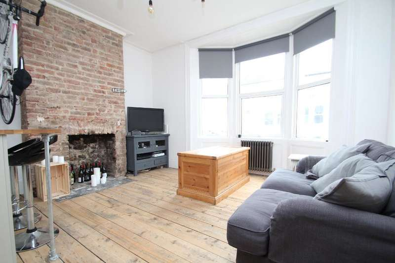 2 Bedrooms Flat for sale in Goldstone Road, Hove, East Sussex, BN3 3RG