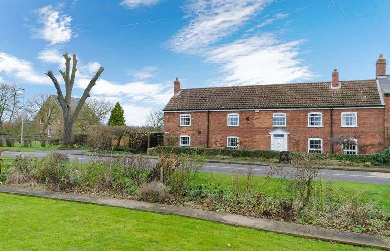 4 Bedrooms Semi Detached House for sale in 'Danes', Gainsborough Road, Northorpe