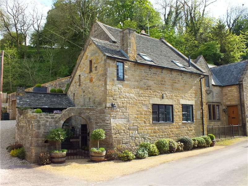 2 Bedrooms Semi Detached House for sale in Snowshill, Broadway, Worcestershire, WR12