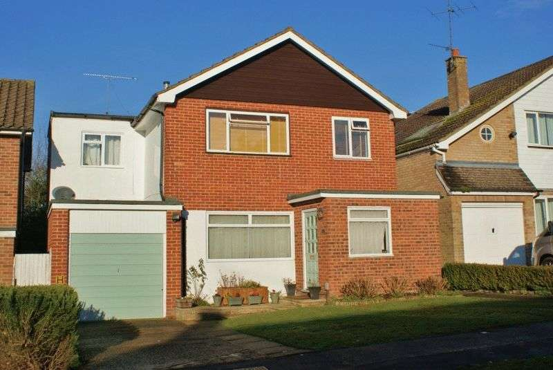 5 Bedrooms Detached House for sale in Twyford, Berkshire.