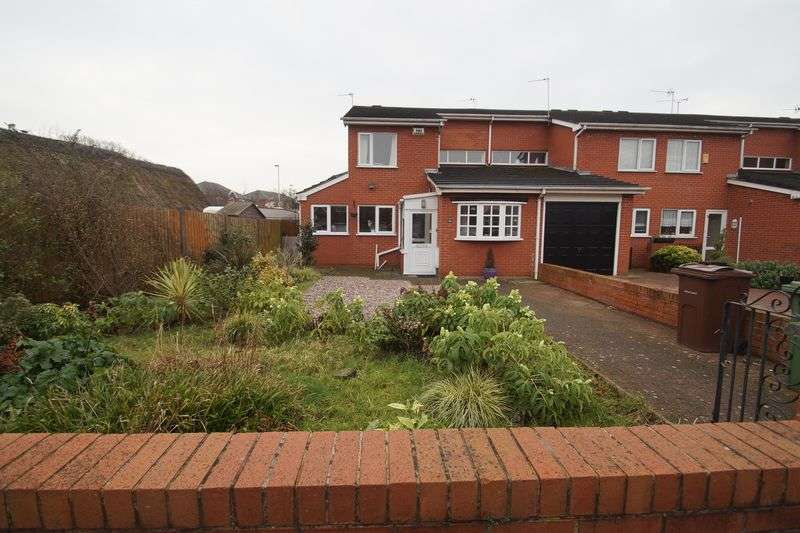 3 Bedrooms Semi Detached House for sale in Crosby Road, Southport