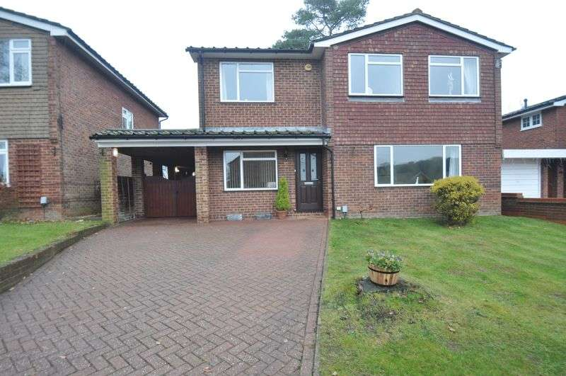 4 Bedrooms Detached House for sale in Madeley Road, Church Crookham
