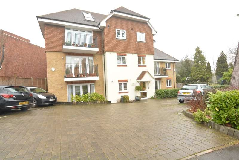 1 Bedroom Apartment Flat for sale in FOXGROVE ROAD, BECKENHAM BR3 5DA