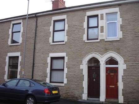 4 Bedrooms Terraced House for sale in Manchester Road, Preston, PR1