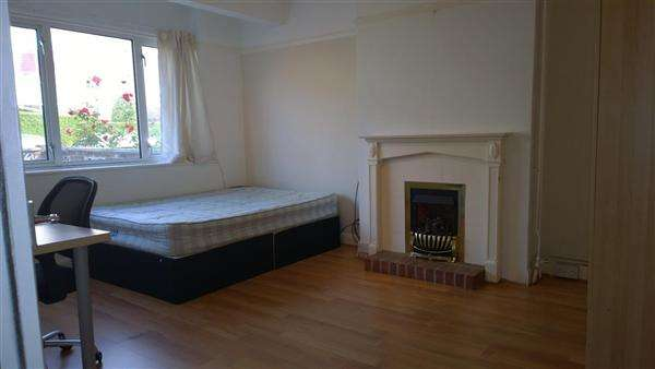5 Bedrooms Property for rent in Lower Bevendean Avenue, Brighton