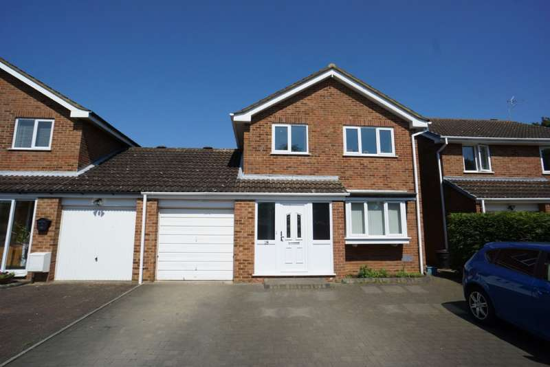 3 Bedrooms Link Detached House for sale in Gladstone Close, Newport Pagnell