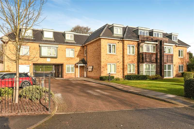 2 Bedrooms Apartment Flat for sale in Chestlands Court, 18 Hercies Road, Uxbridge, UB10