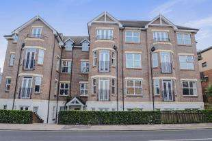 1 Bedroom Flat for sale in Fusion, 140 Station Road, Redhill, Surrey