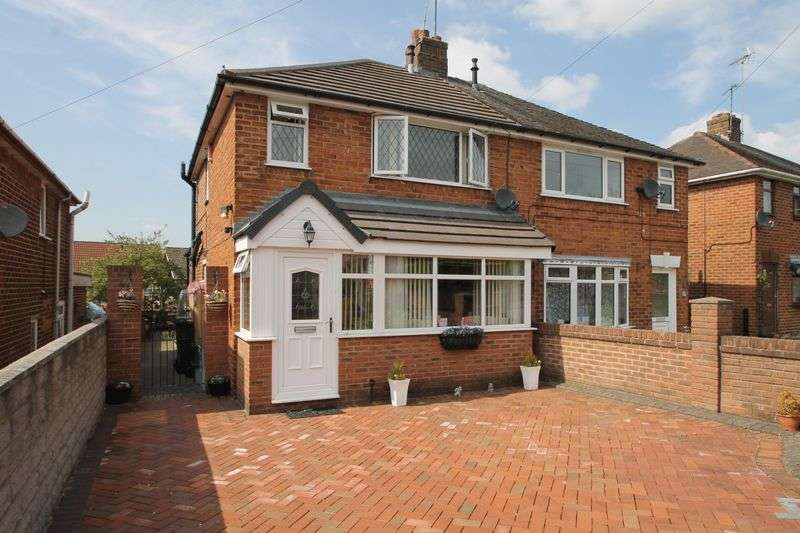 3 Bedrooms Semi Detached House for sale in Ian Road, Newchapel