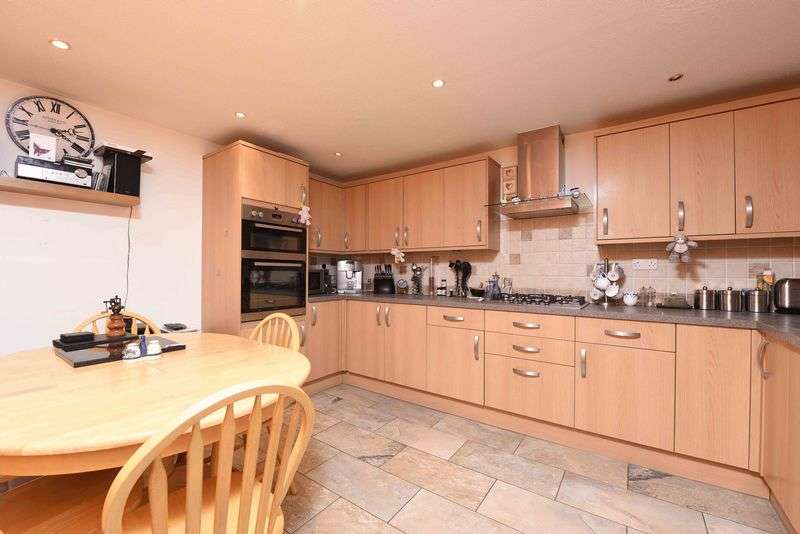 3 Bedrooms Terraced House for sale in Longcroft Road Kingsclere