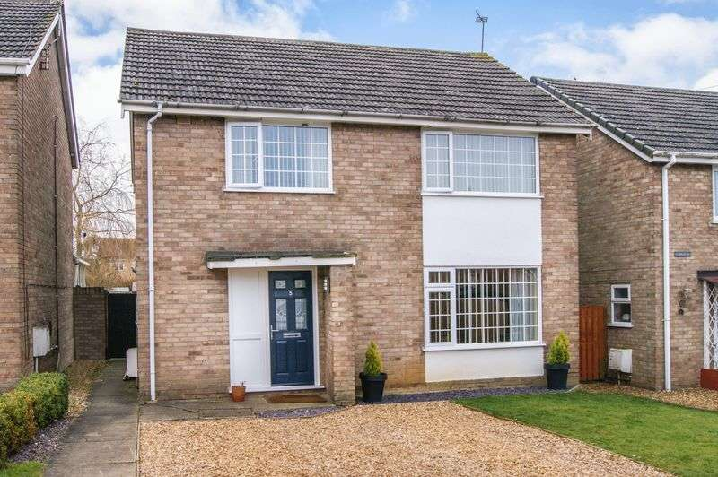 4 Bedrooms Detached House for sale in Templars Way, South Witham
