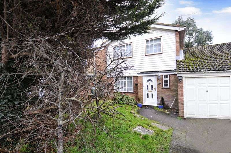 3 Bedrooms Detached House for sale in Canberra Road, Worthing