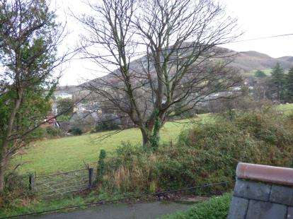3 Bedrooms Semi Detached House for sale in Cwm Road, Penmaenmawr, Conwy, North Wales, LL34