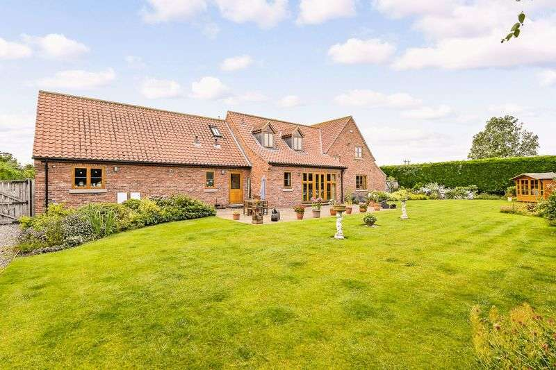 4 Bedrooms Detached House for sale in Orchard Lodge Langthorpe Boroughbridge York YO51 9BZ