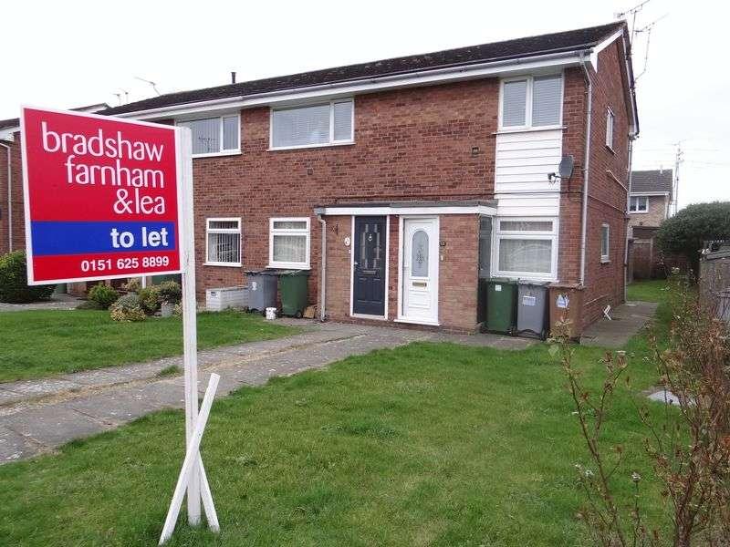 2 Bedrooms Flat for rent in Amberley Avenue