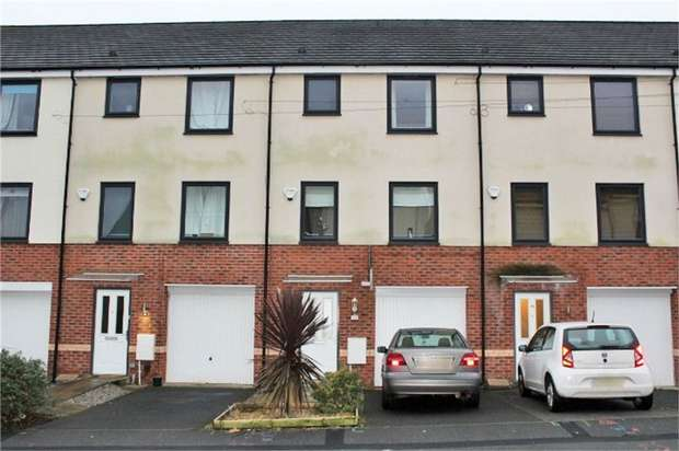 4 Bedrooms Terraced House for sale in Mount Street, Heywood, Lancashire