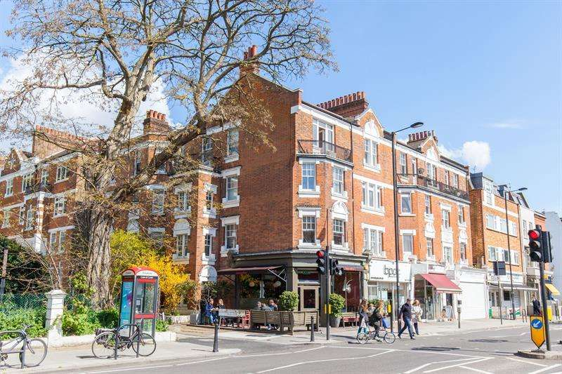 3 Bedrooms Flat for sale in Colehill Gardens, Fulham Palace Road, Munster Village, Fulham, SW6