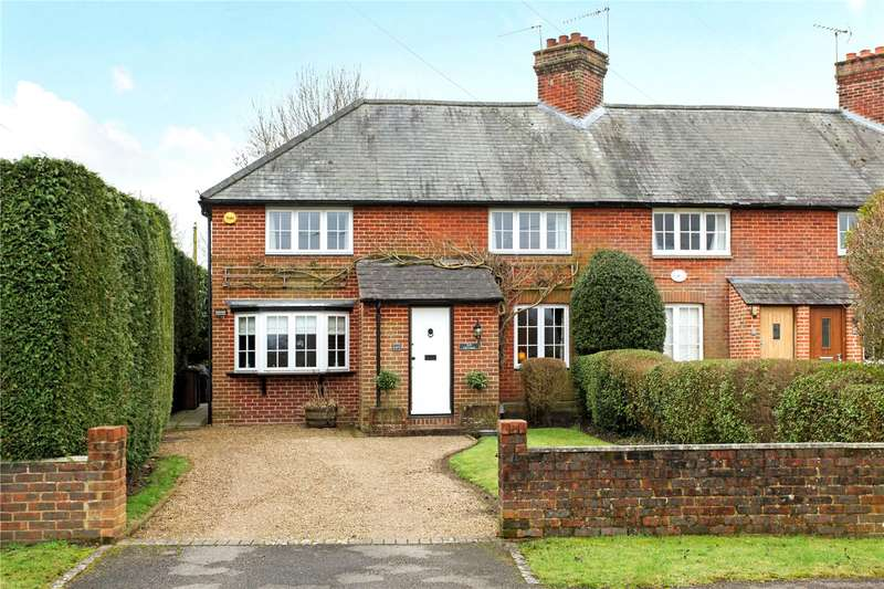 3 Bedrooms Semi Detached House for sale in Wood Street Green, Wood Street Village, Guildford, Surrey, GU3